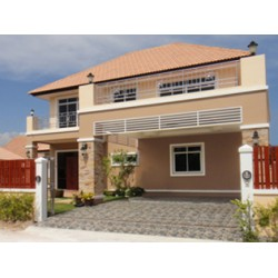 Villa with pool and garden in Huahin
