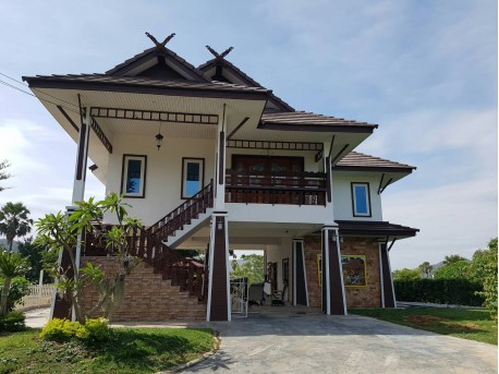 Thai house in Pran buri
