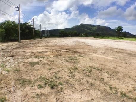 Land 1 rai black mountain