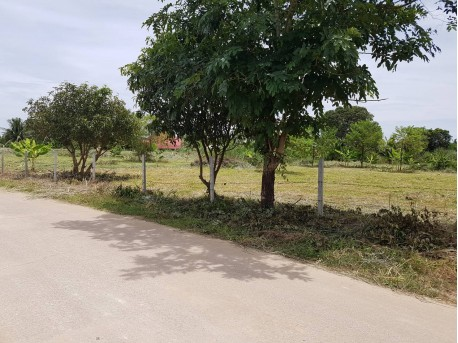 Land in Hua Hin 2 rai 3 ngan 27.7 tarang wah