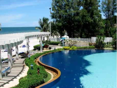 Condo Ban Saen Saran Hua Hin pool