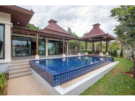 Pool villa at 5 min from the beach