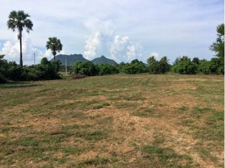 Terrain 3 Rai à vendre à 800 M de la mer à Pranburi